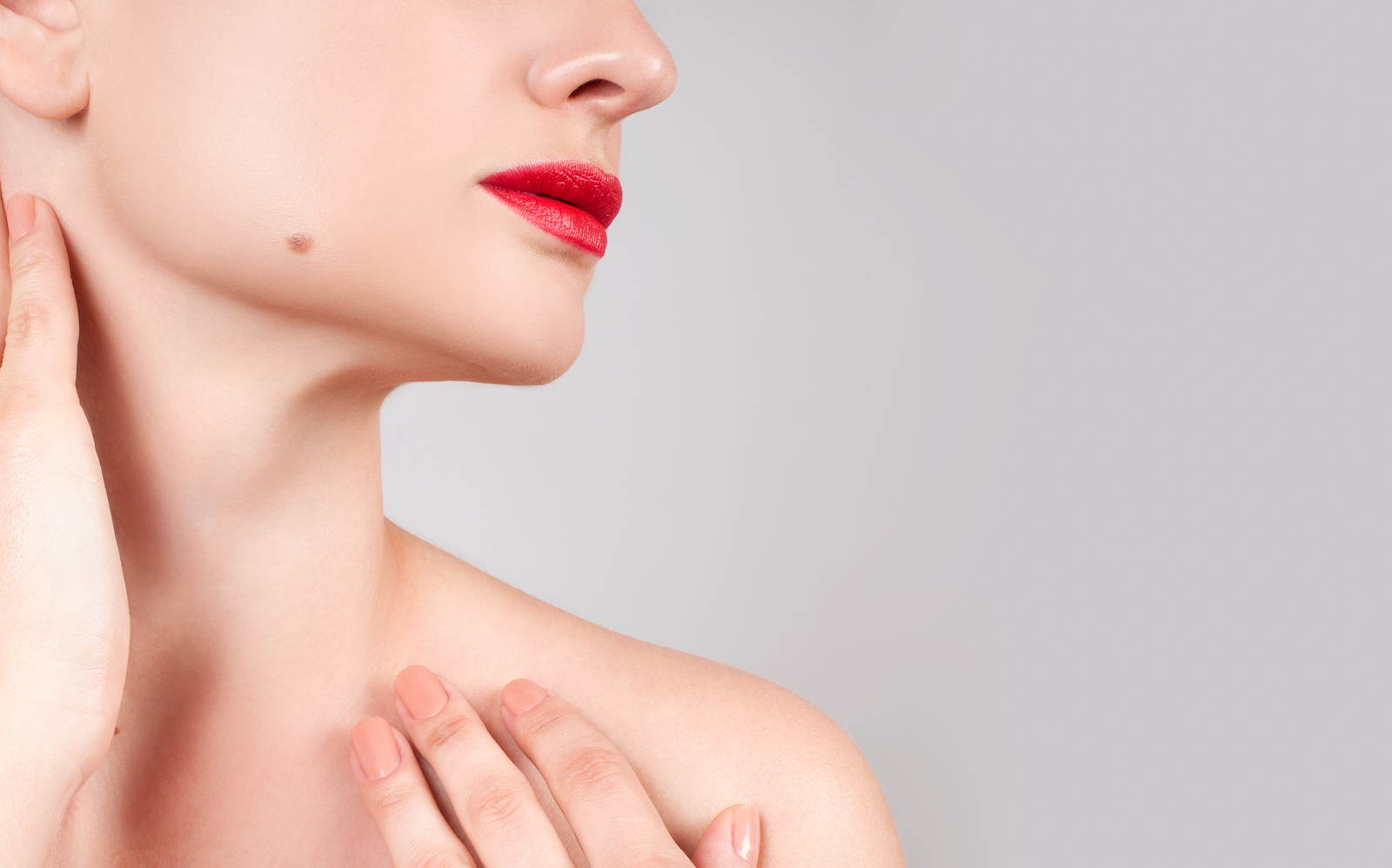 Giving Yourself a Slimmer Appearance with a Neck Lift