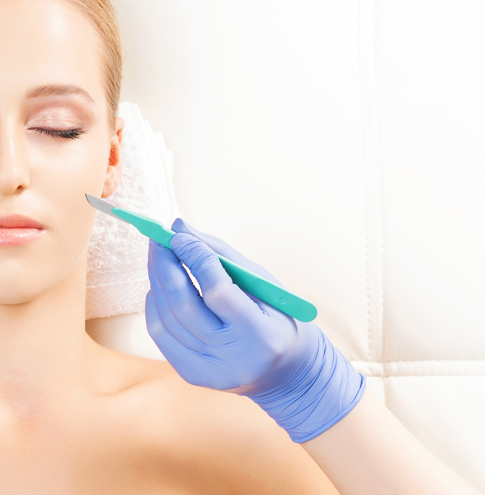 The Difference Between Buccal Fat Pad Removal and Cheek Liposuction: Which One Is Right For Me?
